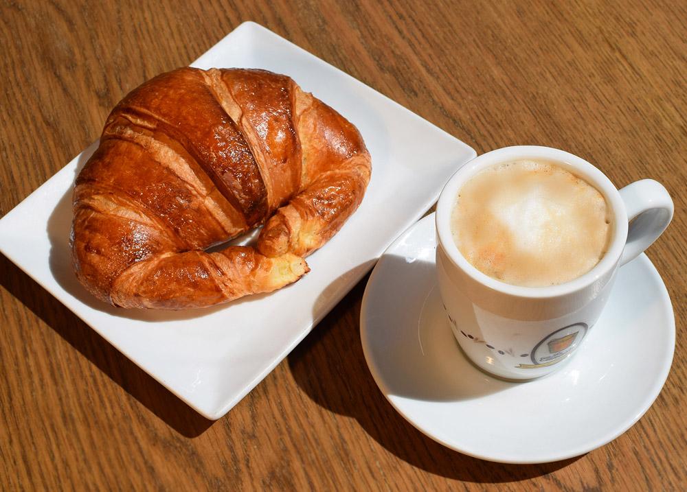 Bollería La Canasta Cafe